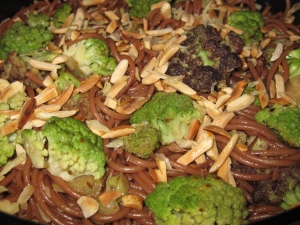 Braised broccoli with red wine pasta