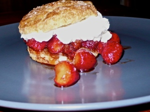 Scone with strawberries and cream