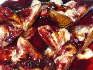 Figs roasted in port wine with Cashel Blue